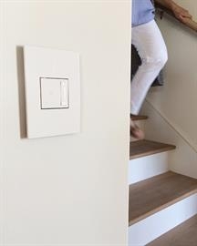 This stylish dimmer switch combines sensitive sofTap technology with a gentle dimming paddle to create two unique, sleek lighting control solutions in one. Tru-Universal technology allows for any bulb type and eliminates flicker.