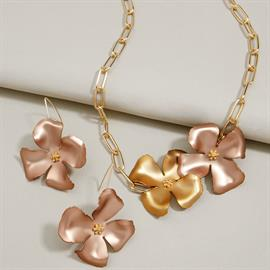 Handpainted metallic flowers with 18k gold-plating.