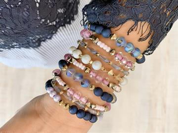 50 Bracelets Per Jar 5 Styles per jar, 10 of each style All synthetic stones Stretch
