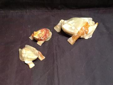 "Hand carved Onyx Frogs. Sizes Available 3"", 4"", 6"", 8"", 10"", & 12""."