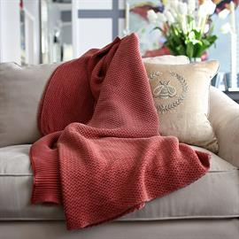 Inspired from the intensely colored red coral found in the Mediterranean sea, this throw radiates distinguishing characteristics of life under the sea, giving it truly organic touch.
