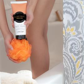 Go ahead, indulge.  Your favorite Mixologie fragrances in a luxury body wash.