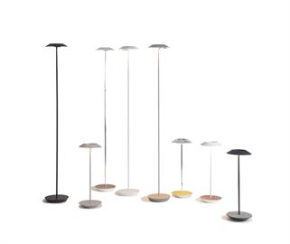 Royyo adds an elegant flair to any space with its minimal wiring and please circular design. Its minimal silhouette houses complex inner technology for a marriage of form and function. Royyo Desk Lamp's embedded USB port allows users to charge any USB-compatible device. Interchangeable base plate options allow users to customize at ease.
