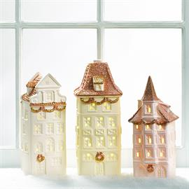 These beautiful porcelain buildings will be a nice touch to any Christmas Village or on their own!