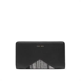 Simple and elegant flat wallet with bold contrasting faux suede details.