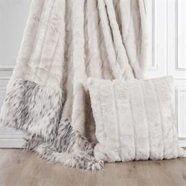 "Add sophisticated style to your home with this gorgeous faux Mink and Snow Leopard Throw. Generously sized at 50""x80"", this throw is perfect to fold at the foot of your bed."