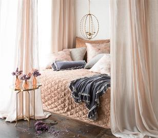 Luna Coverlet in Rosegold, with layers of Rosalina Warm and Loulah in Powder.