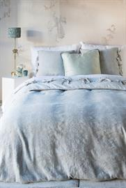 Marguerite, our botanical cotton and linen matelassé, is now available as a Duvet Cover, backed in our soft Linen.