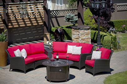 Palm Harbor, one of the all time best selling collections, welcomes its new addition of an end table with aluminum tray top to complement its curved modular deep seating sectional.  Gently angled back, with generously proportioned reticulated foam core cushions, this elegant and exceptionally comfortable outdoor seating simply creates the most inviting sweeping curvature venue for your precious gathering moments.