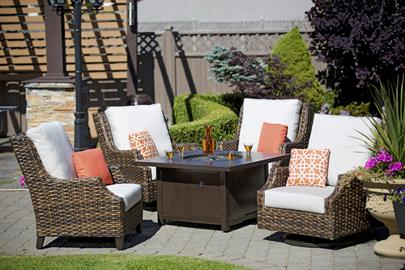 Intricately woven by hand in the bold, hazel brown 16mm dual tone all-weathered resin over durable aluminum frame, Whidbey Island undoubtedly sets stage for perfect moment of total relaxation.     Attentively scaled proportion seating, slightly angled aluminum high backs, paired flawlessly with its tapered, hand brush finishing legs, Whidbey Island merges comfort, design, and quality immaculately.