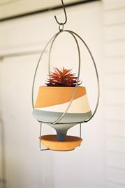 Triple stripe hanging clay funnel planter with wire hanger