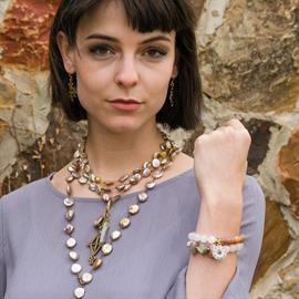 Doña Fortuna by Julio Designs is an upscale extension of the Julio Designs brand. Doña Fortuna pieces are handmade with exquisite semi-precious gemstones sourced from around the world.